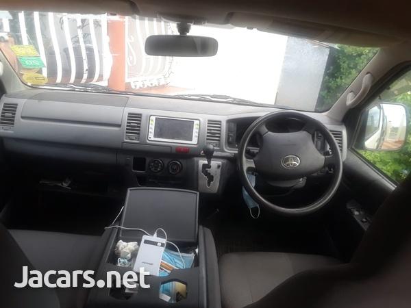 Toyota Hiace Bus 2,5L 2012-4