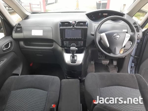Nissan Serena 1,8L 2015-3