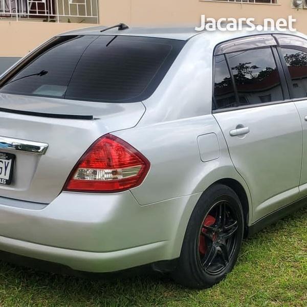 Nissan Tiida 1,4L 2012-4
