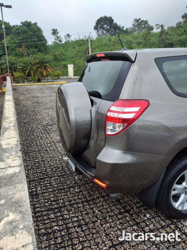 Toyota RAV4 2,4L 2012-5