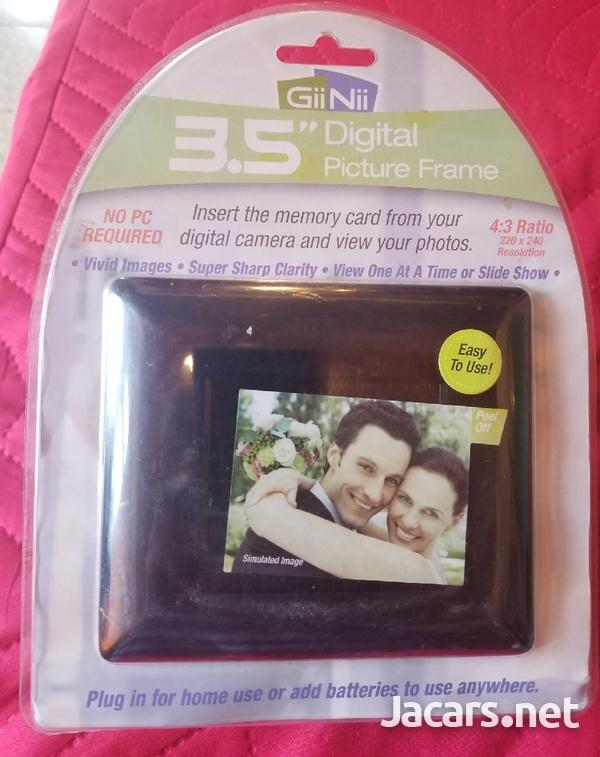 Digital 3.5 Picture Frame-3