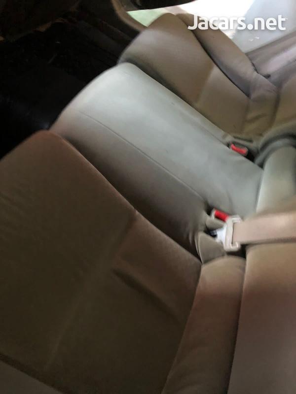 Toyota Mark X 2,5L 2008-7