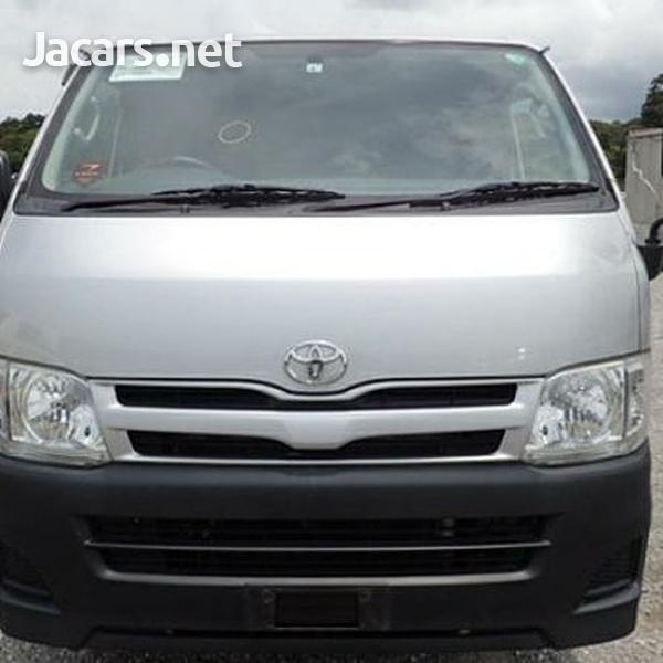 Toyota Hiace Bus 2,0L 2013-3