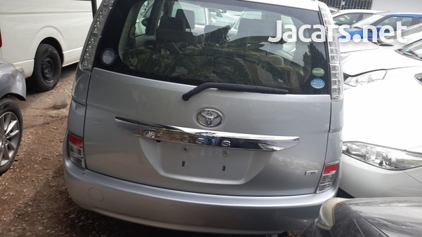 Toyota Isis 1,5L 2015-2
