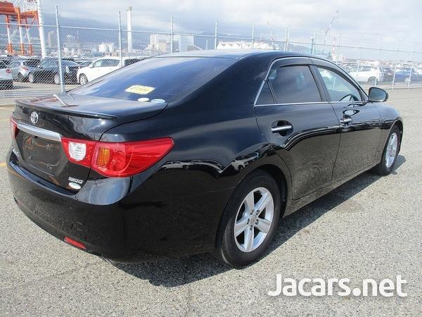 Toyota Mark X 1,6L 2010-8