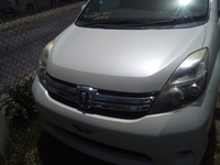 Toyota Isis 2,0L 2013