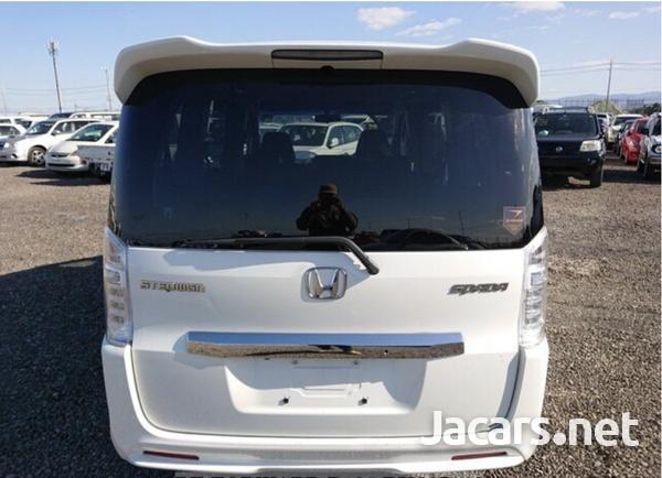 Honda Step wagon 2,0L 2013-3