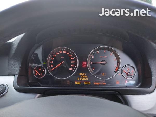 BMW 5-Series 2,5L 2011-10