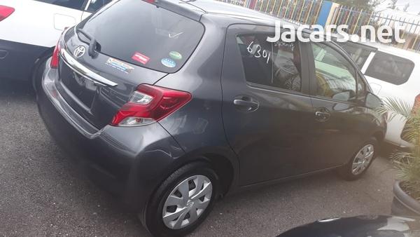 Toyota Vitz 1,5L 2015-4