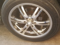 4. AKUZA 20 inch chrome rim and maxxis 265/50r20 used tires.