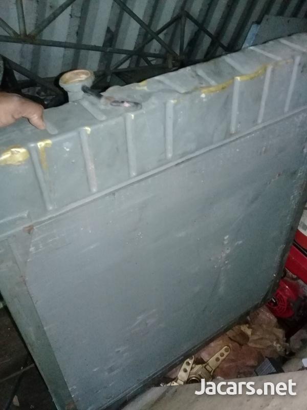 5 core radiator brand new-1