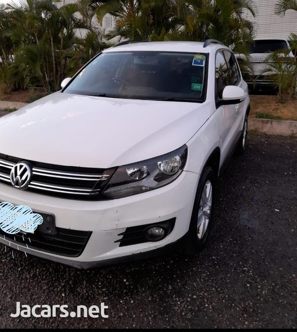 Volkswagen Tiguan 2,0L 2013-4