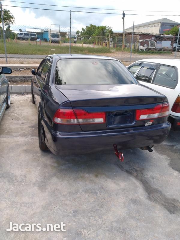 Honda Accord 2,3L 2001-4