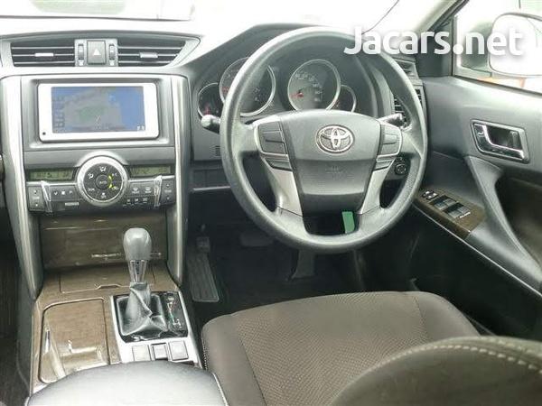 Toyota Mark X 1,8L 2013-5