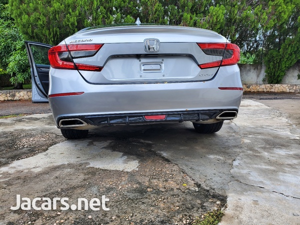 Honda Accord 1,8L 2018-3