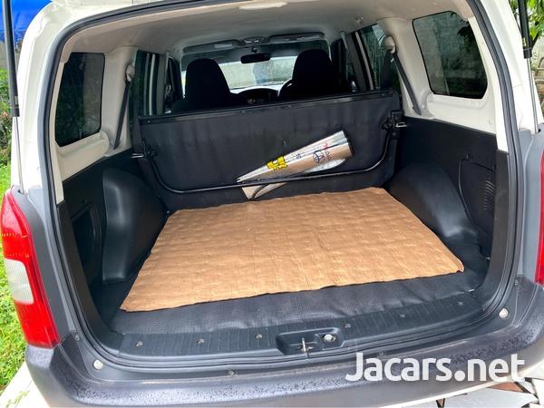 Toyota Probox 1,3L 2014-6