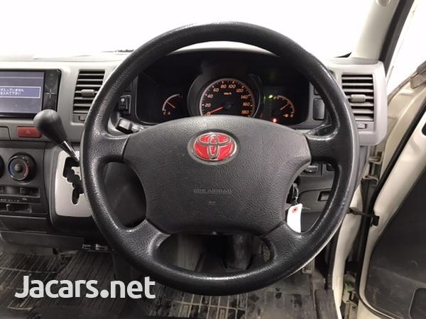 Toyota Hiace 2,0L 2011-7