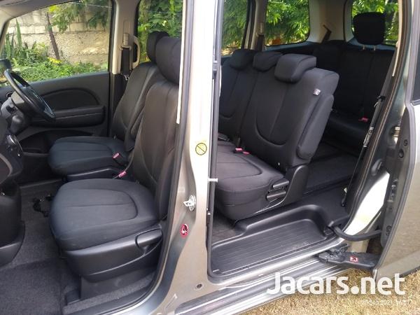 Mazda Biante 2,0L 2013-7