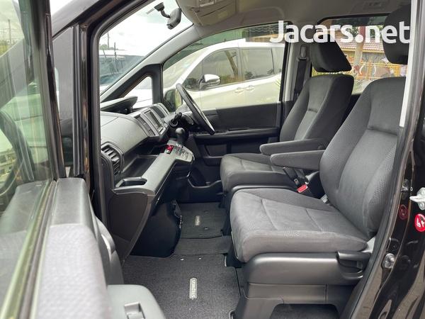 Honda Stepwgn Spada 2,0L 2013-10