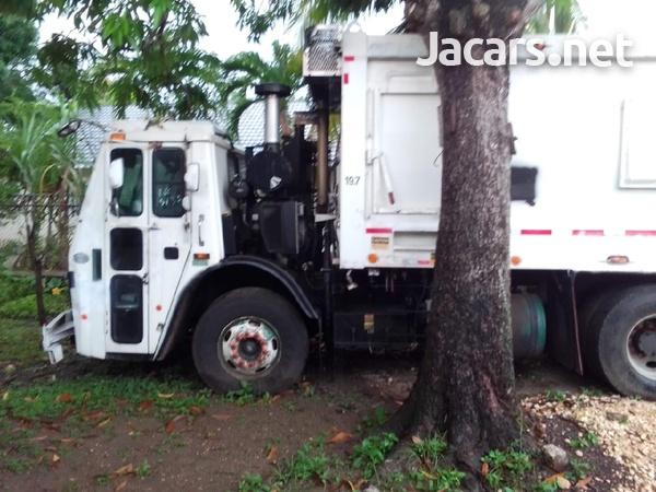 2009 Mack Leu Garbage Truck-2