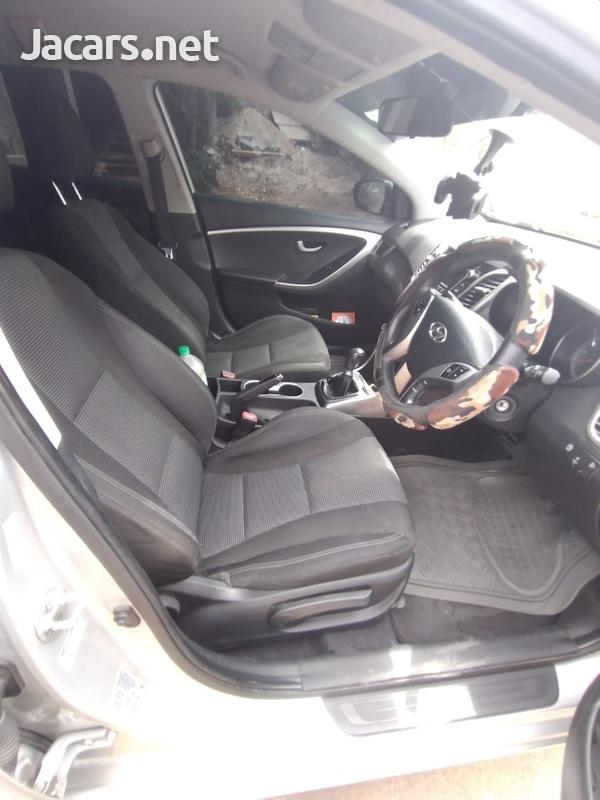 Hyundai i30 4,4L 2015-7