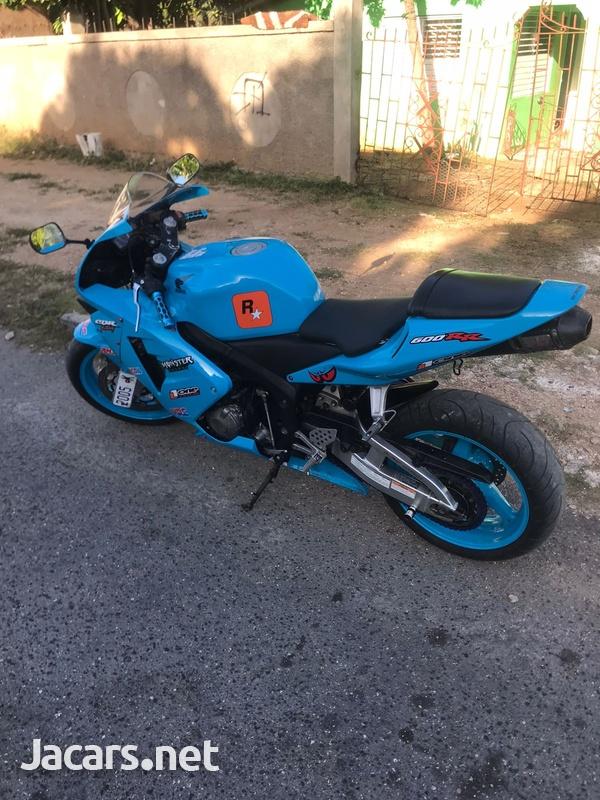 2004 Honda cbr bike-3