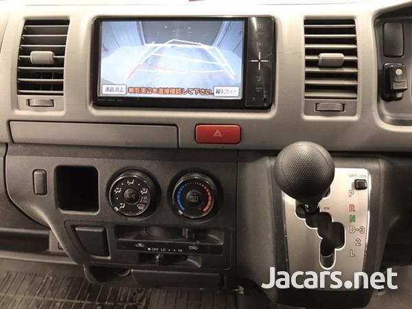 Toyota Hiace 2,0L 2011-9