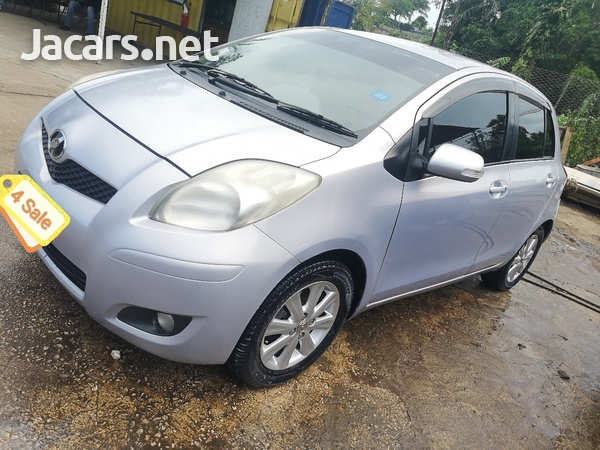 Toyota Vitz 1,5L 2010-6