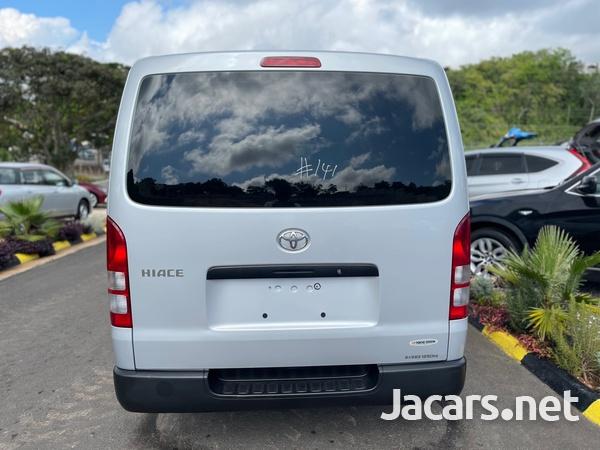 Toyota Hiace 2,0L 2017-5