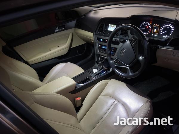 Hyundai Sonata 2,0L 2015-3