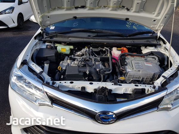 Toyota Fielder 1,5L 2015-6