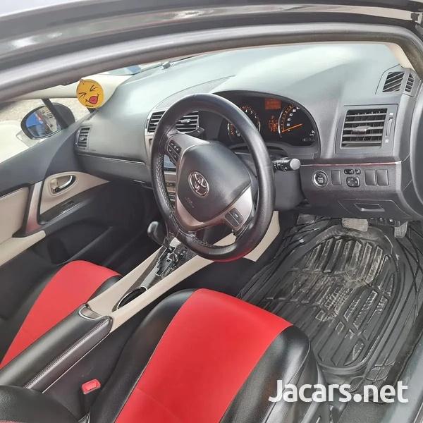 Toyota Avensis 1,9L 2014-6