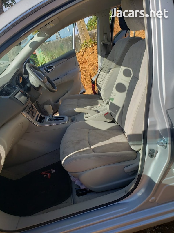 Nissan Sylphy 1,6L 2014-9