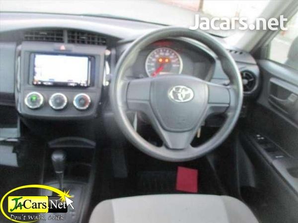 Toyota Axio 1,5L 2016-4