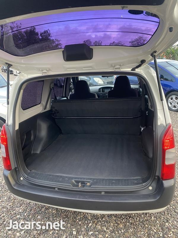 Toyota Probox 1,5L 2013-8