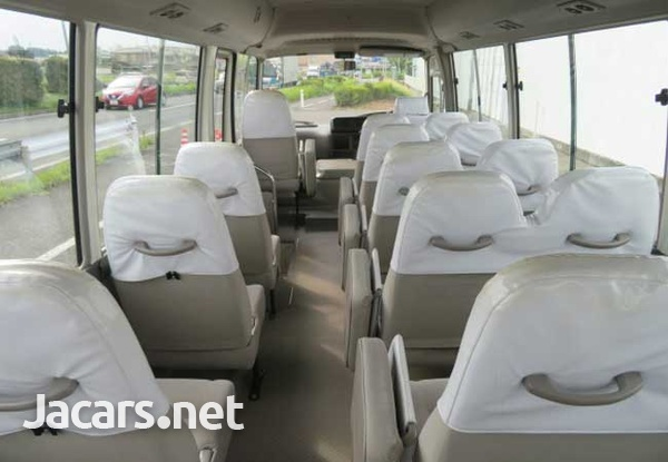 2011 Toyota Coaster Bus 4,0L-7