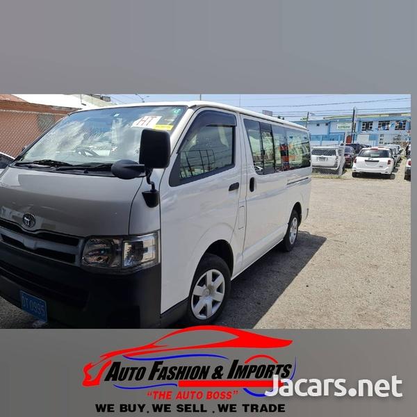 Toyota Regius 2,0L 2013-1