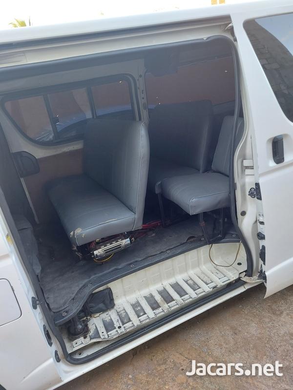 Toyota Hiace 2,0L 2012-7