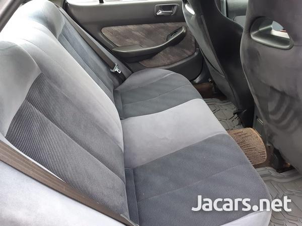 Honda Accord 1,5L 2001-4