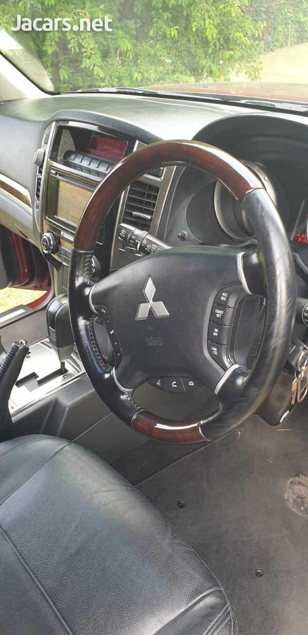 Mitsubishi Pajero 3,0L 2019-7