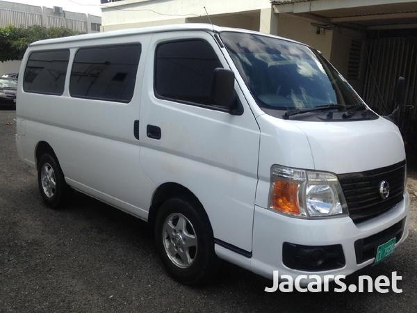 Nissan Caravan-8