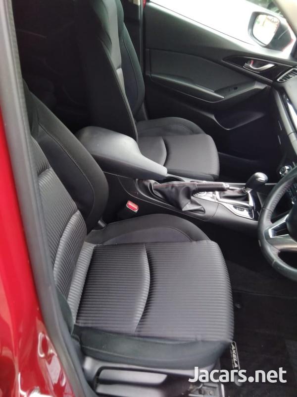 Mazda Axela 2,0L 2016-2