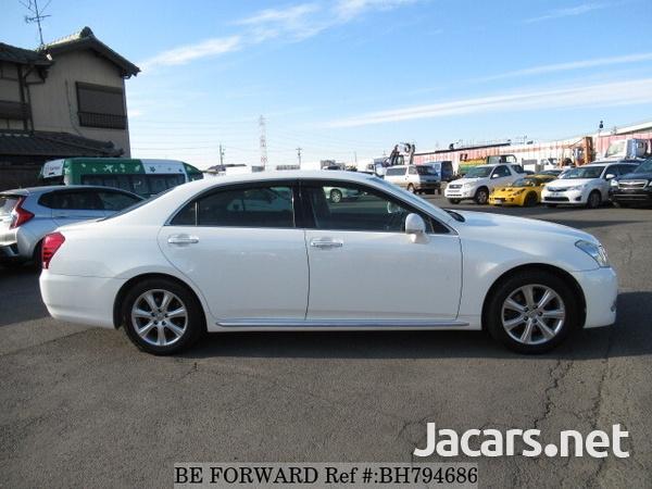 Toyota Crown 4,6L 2012-5
