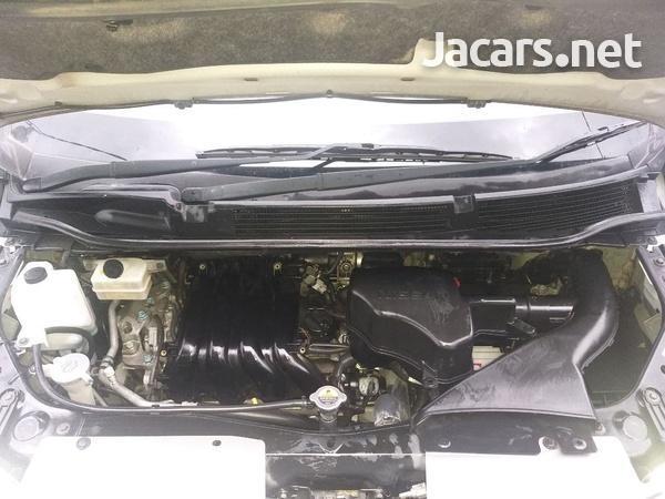 Nissan Serena 2,0L 2012-11