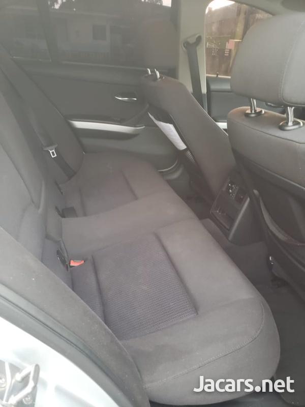 BMW 3-Series 1,8L 2011-4