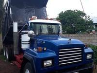 Heavy Duty 1999 Mack Truck