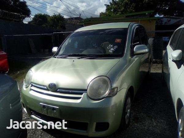 Toyota Sienta 1,4L 2007-2