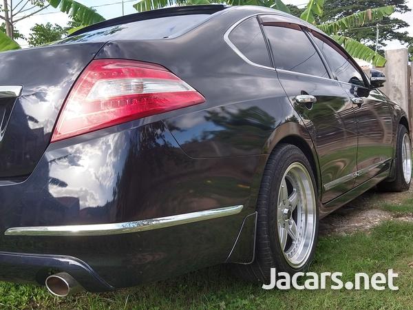 Nissan Teana 2,5L 2011-8