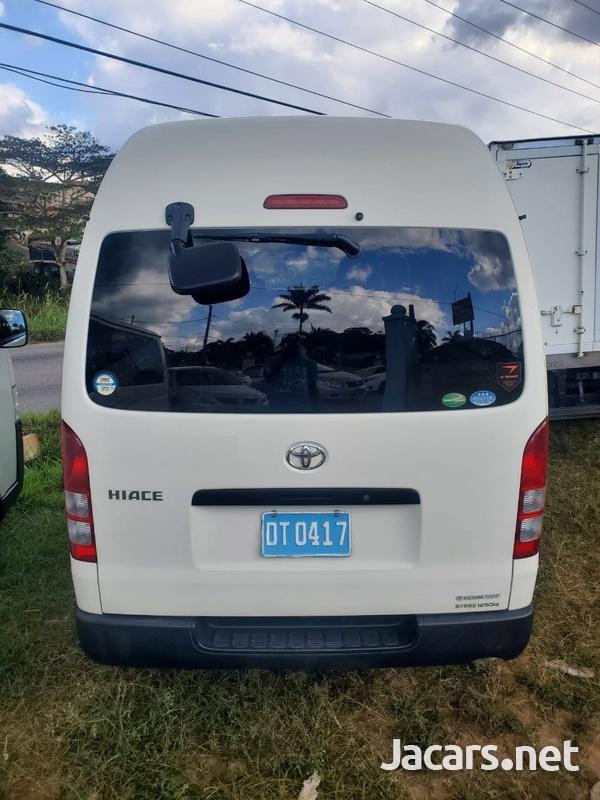 Toyota Hiace 2,0L 2015-9