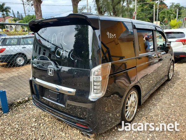 Honda Step wagon 2,0L 2013-4